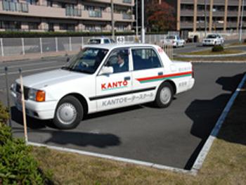 KANTOモータースクール横浜西口校教習車