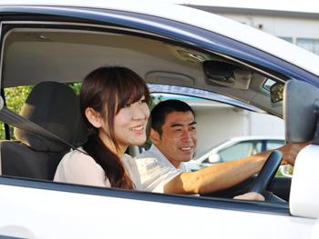 新鶴見ドライビングスクール教習風景