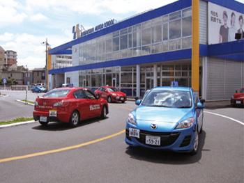 竹の塚モータースクール教習車