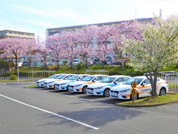 日吉自動車学校受付スタッフ