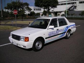 南横浜自動車学校教習車